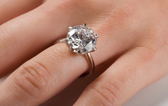 3 Things to Consider When Designing Your Own Engagement Ring