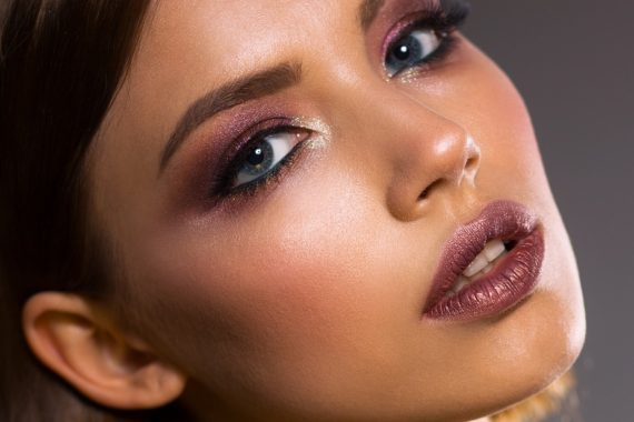 4 Reasons Your Makeup Is Making You Break Out