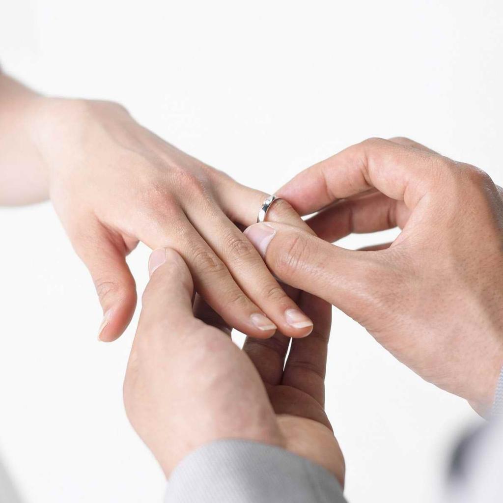 Choosing wedding bands together