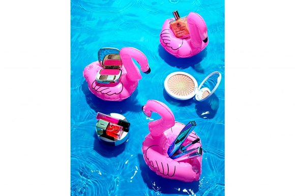 Inside beauty: cool by the pool