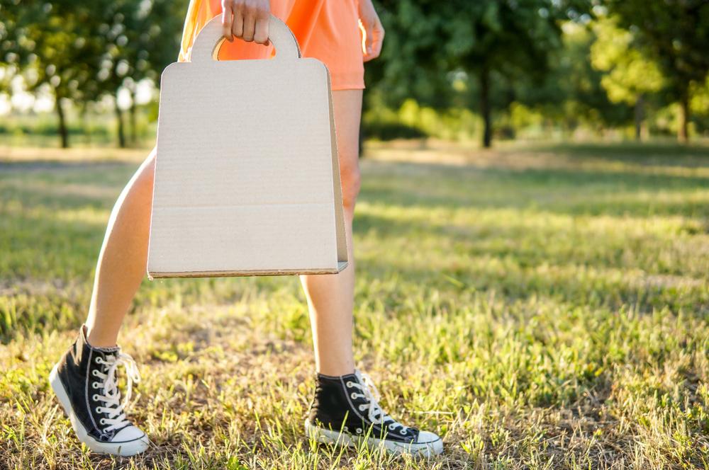 Why Choose Kraft Paper Bags Instead of Plastic Bags?